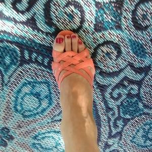 Jaclyn Smith Coral colored sling back Sandal's